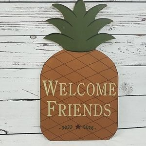 Welcome Friends pineapple wooden wall sconce